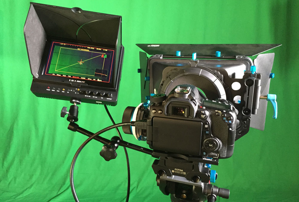 Profi-Kamera-mit-Field-Monitor-Videoproduktion