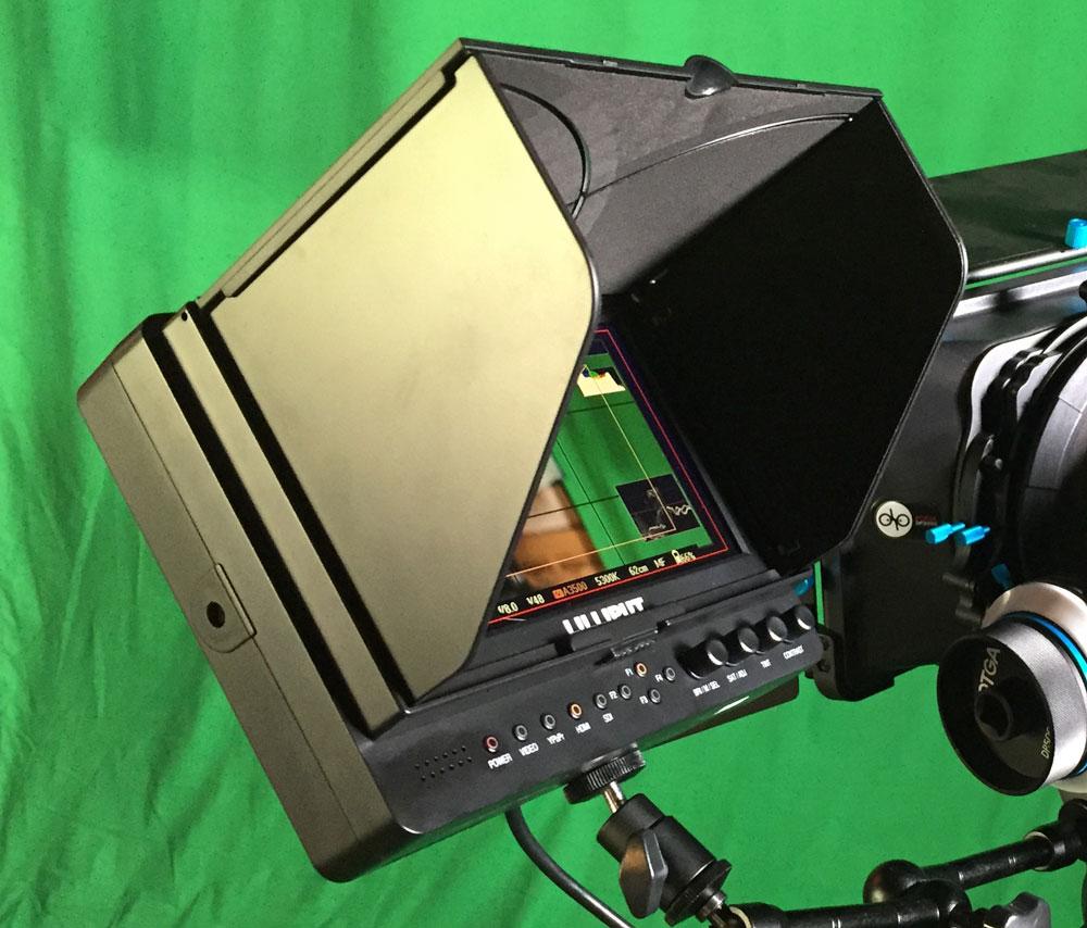 Alles im Blick.. Klappe und Action. Der Field-Monitor ermöglicht Kameramann und Regie bereits einen finalen Szenenblick.